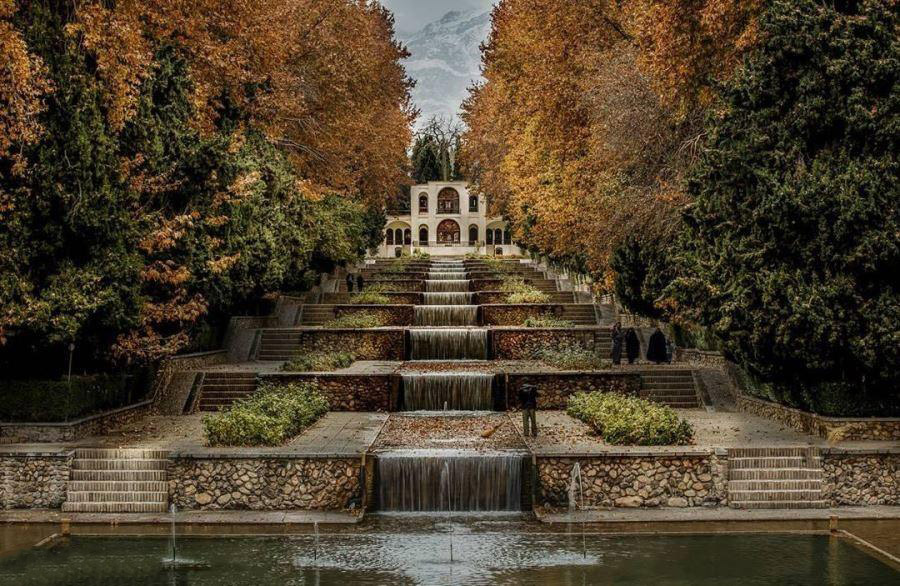 Shahzade garden in Kerman | How Many Days to Visit Iran