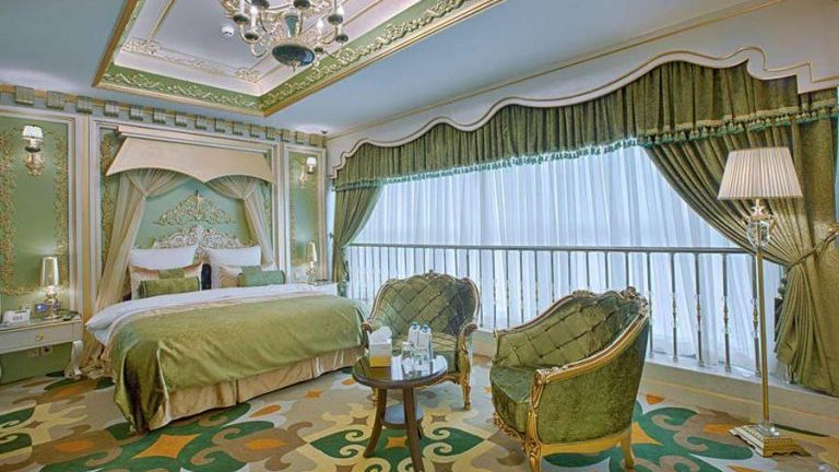 Why Tourists always Pick these Hotels in Mashhad?