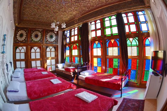 Taha Traditional Hotel Shiraz