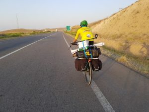 Solo cyclist travels through Qazvin province