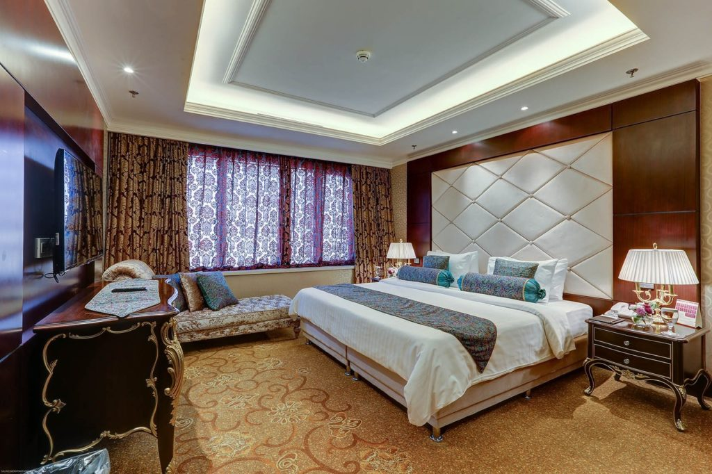 Parsian Azadi hotel suite