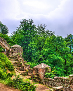 Climb Rudkhan Castle Like the Game of Thrones