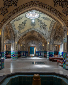 A Complete Stroll through Kashan