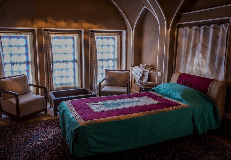 book a hotel room in Iran